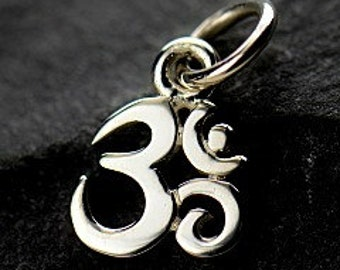 Sterling Silver Ohm Charm, 925 Tiny Ohm Pendant, 13x7x1mm, 1 PC