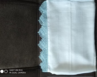 Hand-made multipurpose scarf made with needle.