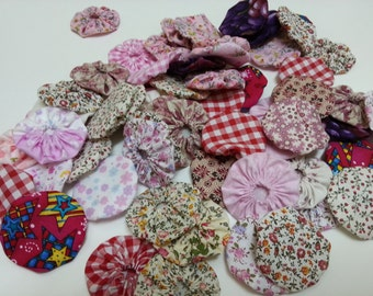 50 Pieces Fabric Yoyos, Assorted Colors, Floral Fabrics, Ginghams, Pink, Red and Purple