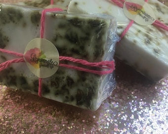 Handmade Rose Soap! Rose soap with she abutter base! 100% pure rose oil! Rose soap! Dried rose pedals added!