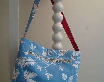 Small shoulder bag, hand made from modern and vintage fabric.