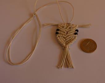 Beige Owl Macrame pendant with extendable knots