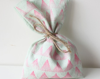 Tribal Favour Bags - Boho Tribal POW WOW Pink & Aqua wild one x 10