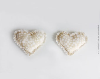 Fabric heart-shaped hair Barrette Liberty beige and ivory padded pond ' mesh