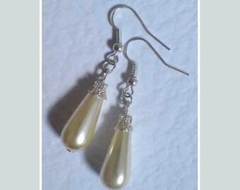 Pearl Teardrop Earrings , Victorian Silver Earrings , Glass Pearl Earrings , Cream Pearl Earrings , Teardrop Earrings , Handmade Jewelry ,