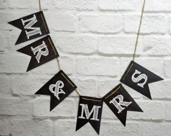 Mr & Mrs Wedding Chalkboard Style Banner, Bride Groom wedding bunting, wedding photo prop reception backdrop decor sign