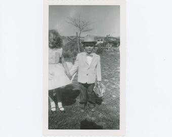 Vintage Snapshot Photo: Easter, c1940s-50s (73564)