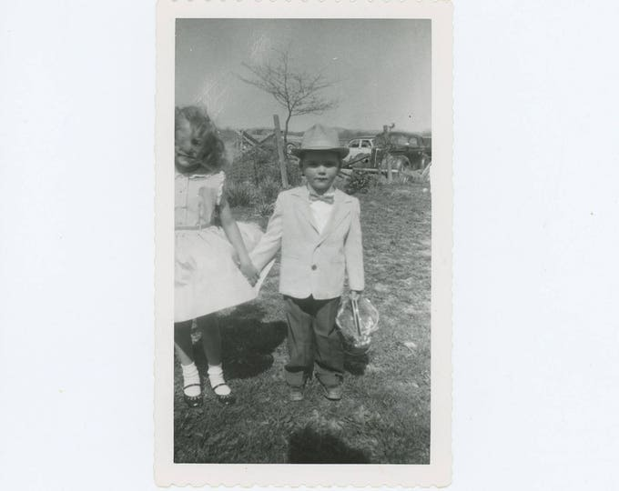 Vintage Snapshot Photo: Easter, c1940s-50s (73564)