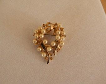 Gold Color Metal Faux Pearl Rhinestone Pin