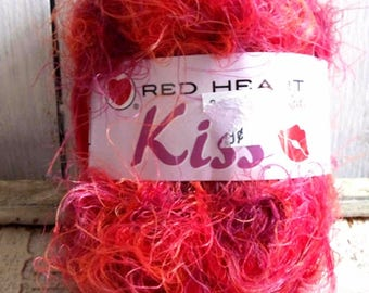 Lot of (8) Skeins Yarn: Red Heart KISS in FLAME Bulky #5 664 total yards