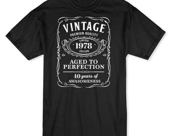 Vintage Premium Quality  40 Years Of Awesomeness  Men's Black T-shirt