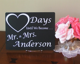 Personalized Countdown Calendar,Mr and Mrs, Wedding Countdown,Wedding Shower,Days to Go,Countdown Chalkboard,Countdown to Wedding,Countdown