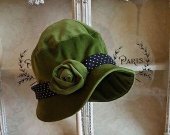 Vintage Style Green Velvet Cloche