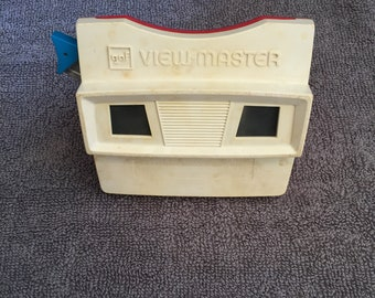 Vintage 1970's GAF View Master White Red Stereo Viewer with Blue Handle Rare Vintage Toy