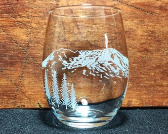 Mount St. Helens Hand-Engraved Stemless Wine Glass
