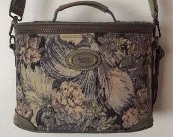 American Tourister Vintage Tapestry Green Floral Oval Train Case Make Up Luggage Carry On Overnight Bag
