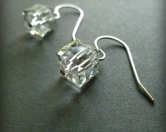 Glace : Cube Swarovski Crystal Earring