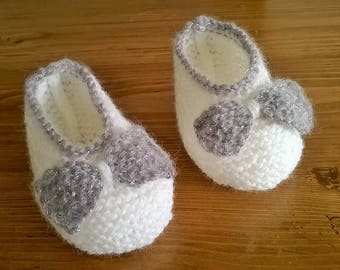 White and silver wool baby BOOTIES