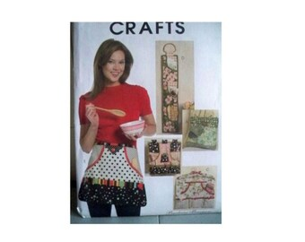 McCall's Pattern #5441 - Apron and Organizer Pattern - Uncut