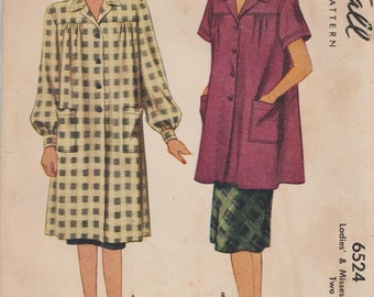 McCall 6524 / Vintage 1940s Sewing Pattern / Coat Jacket Smock / Size Small