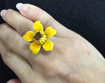 Vintage enamel flower ring