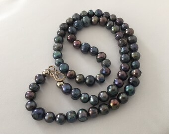 Metallic purple and blue pearl necklace
