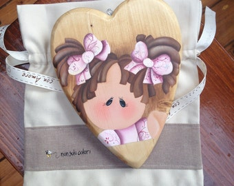 Dolly's heart in wood