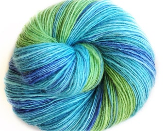 Gaia - NZ Corriedale wool  - single thread shawl yarn 102gr 440m