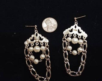 BEAUTIFUL Pierced Chandelier Earrings - faux pearls and chains - stunning!