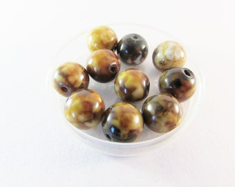 D-01634 - 10 Ice Flower Agate beads 10mm
