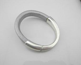 3 pcs Antique Silver Magnetic Half Cuff Bracelet Finding for use with 10x6mm Licorice Leather