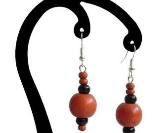 Earrings wooden orange and black 01