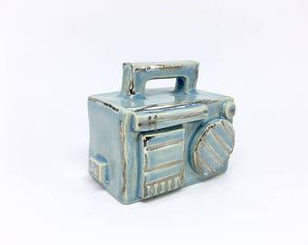 little ceramic boombox, ghettoblaster, miniature, ceramic art, hiphop-style, ceramic sculpture