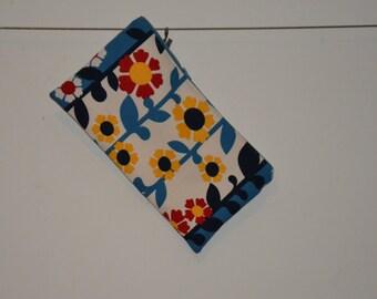 Small retro style bag