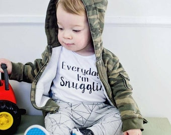 Everyday I'm Snugglin-- Coming Home Outfit, Baby Girl Clothes, Baby Boy Clothes, Newborn Girl Outfit, Baby Outfit, Baby Gift, Take Home