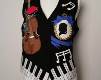 1980s Novelty Print Music Mozart Themed Ladies Vest Medium to Large