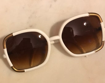 Vintage White And Gold Plastic Sunglasses Taiwan ROC