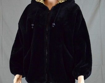 Womens Jacket Fabulous Vintage Classic Chic Style VI Ltd. Faux Fur Hooded Jacket / Made in USA / Size 8