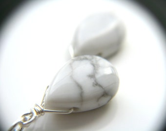 White Howlite Necklace . Sterling Silver Wire Wrapped Necklace . White Cluster Necklace . White Teardrop Necklace
