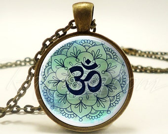 Om Necklace, Yogi Gifts, Yoga Jewelry, Green Namaste Ohm Pendant (1866B1IN)