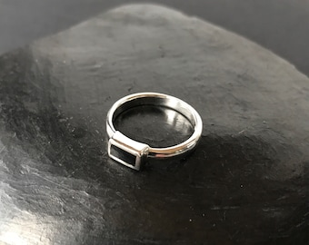 sterling silver ring size 7 1/4 modernist black inlay vintage 925  small delicate dainty minimalist