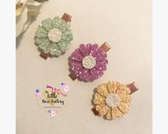 Flower clips , glitter hair clips , daisy hair clips , hair bow set , gift set , spring , easter gift , flower girl , bows for babies