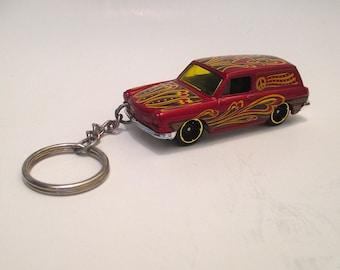 Volkswagen Squareback Keychain,1969 VW station wagon type 3,VW sleutelhanger, Mens or Womens keychain,Mens or Womens gift