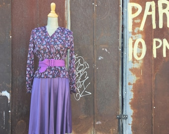 Vintage Purple Floral Lace Belted Dress (Size Small/Medium)