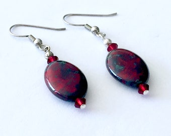 Red and green festive earrings, holiday earrings, Christmas earrings, ceramic drop earrings