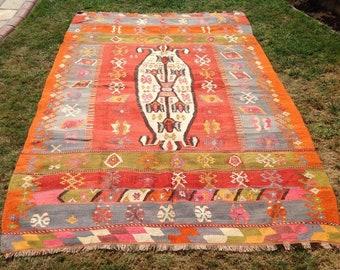 """Kilim rug, Vintage Turkish kilim rug, 106"""" x 74"""", area rug, kilim rug, Pale area rug, vintage rug, bohemian rug, rugs, faded kilim rug,"""