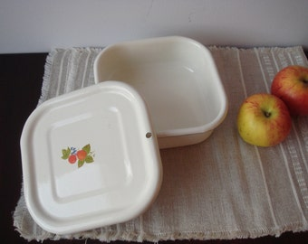 Soviet White Enamel Box with Lid and Berry Decor, Enamel Container, Food storage.