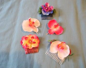 Flower headpiece, flower set, purple, fuchsia,flower comb, hawaiian clips, hawaiian hair accessories, party, celebration, original present,