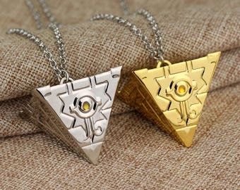 Beautiful eye of Horus 316 L stainless steel necklace, pyramid 3D, Ra, Horus, Egypt during