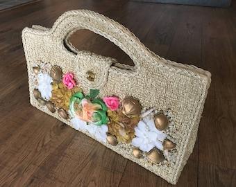 Vintage faux Straw and Raffia purse, flowers and shells, Made in Japan, summer or spring handbag, retro handbag